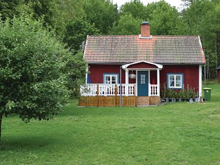 Amazing home in Tjallmo w/ 2 Bedrooms