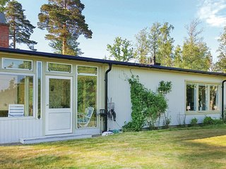 Awesome home in Svartå w/ Sauna, WiFi and 5 Bedrooms