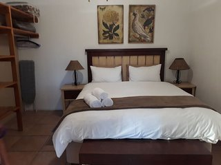 Tourist Lodge Gansbaai - Family Unit