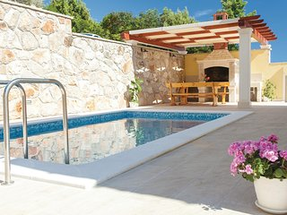 Awesome home in Blato w/ WiFi and 6 Bedrooms