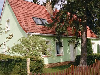 Awesome home in Silnowo w/ 3 Bedrooms