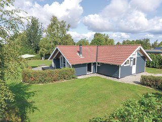 Awesome home in Sydals w/ Sauna, WiFi and 3 Bedrooms