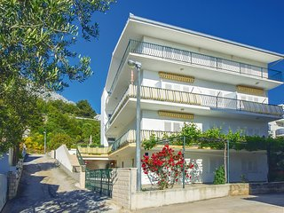 Amazing home in Omis w/ WiFi and 4 Bedrooms
