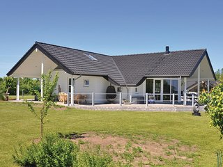 Amazing home in Sydals w/ Sauna, WiFi and 3 Bedrooms (F09309)