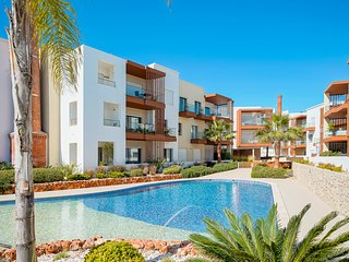 Apartment | Riverside | Pool views | Close to Portimao town centre