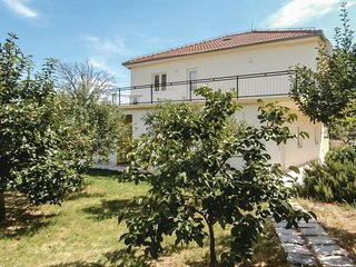 Beautiful home in Kucice w/ WiFi and 5 Bedrooms