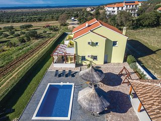 Amazing home in Vrana w/ WiFi and 4 Bedrooms