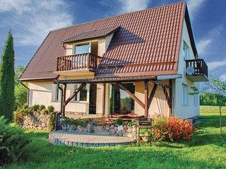 Amazing home in Lidzbark Warminski w/ WiFi and 5 Bedrooms