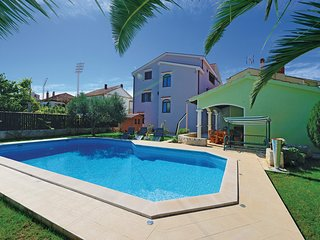 Amazing home in Zadar w/ WiFi and 2 Bedrooms