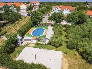 Beautiful home in Zemunik Gornji w/ Sauna, WiFi and 4 Bedrooms