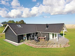 Awesome home in Slagelse w/ Sauna, WiFi and 4 Bedrooms