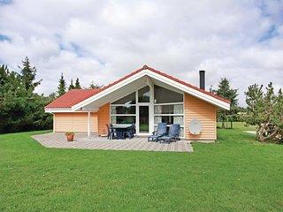 Nice home in Skaelskor w/ Sauna and 4 Bedrooms