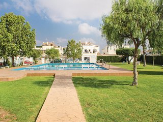 Beautiful home in Torrevieja w/ WiFi and 3 Bedrooms