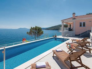 Nice home in Crnja Luka w/ WiFi and 4 Bedrooms