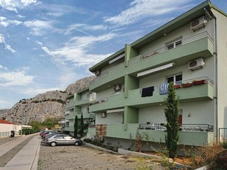Nice home in Omis w/ WiFi and 2 Bedrooms (CDT415)