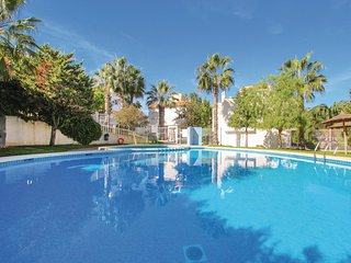 Awesome home in Gran Alacant w/ WiFi, 2 Bedrooms and Outdoor swimming pool