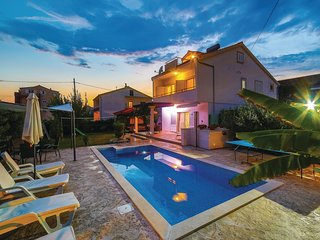 Awesome home in Kastel Novi w/ WiFi and 5 Bedrooms