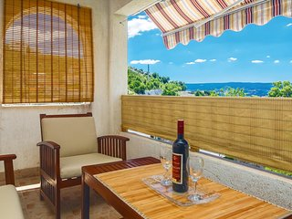 Amazing home in Dugi Rat w/ WiFi and 3 Bedrooms