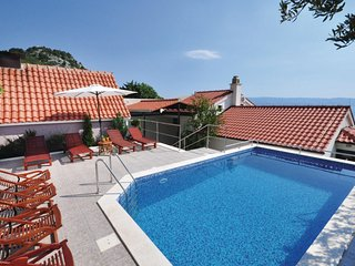 Amazing home in Omis w/ Sauna, WiFi and 6 Bedrooms