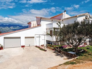 Awesome home in Razanac w/ WiFi and 2 Bedrooms