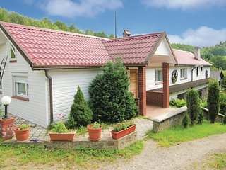 Awesome home in Brodnica Gorna w/ 4 Bedrooms