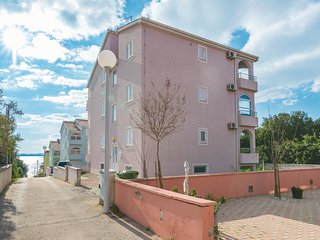 Nice home in Kozino w/ WiFi and 1 Bedrooms