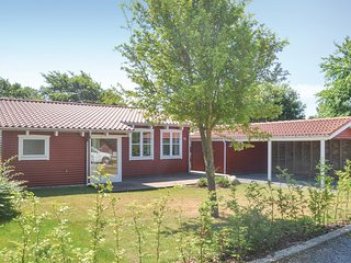 Amazing home in Esbjerg V w/ WiFi and 2 Bedrooms