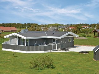 Beautiful home in Vejers Strand w/ Sauna, WiFi and 4 Bedrooms