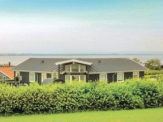 Stunning home in Vinderup w/ Sauna, WiFi and 4 Bedrooms