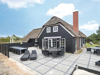 Amazing home in Blåvand w/ Sauna, WiFi and 6 Bedrooms (P32026)