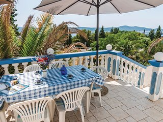 Amazing home in Sv.Petar w/ WiFi and 2 Bedrooms