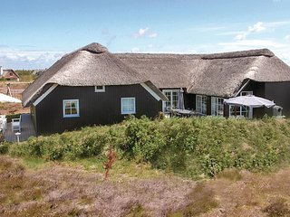 Nice home in Blåvand w/ Sauna, WiFi and 6 Bedrooms (P32045)