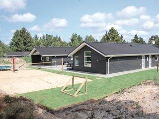 Beautiful home in Blavand w/ Sauna, WiFi and 8 Bedrooms (P32058)