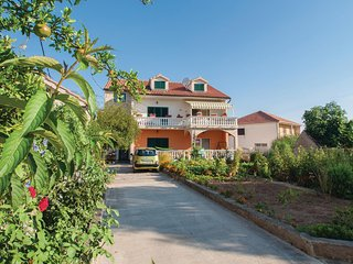 Beautiful home in Zablace w/ WiFi and 2 Bedrooms (CDV376)