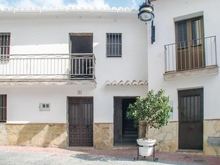Amazing apartment in La Viñuela w/ WiFi and 1 Bedrooms