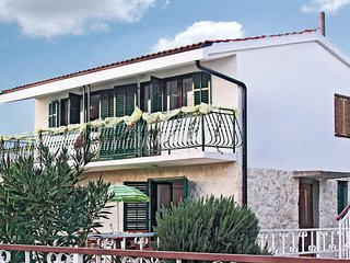 Amazing home in Sibenik w/ 4 Bedrooms