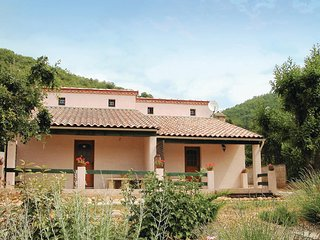 Nice home in Revety-Besseges w/ WiFi, 3 Bedrooms and Outdoor swimming pool