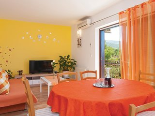 Nice home in Podstrana w/ WiFi and 4 Bedrooms