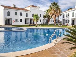 Nice home in Iznalloz w/ WiFi, 2 Bedrooms and Outdoor swimming pool