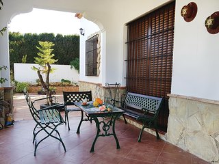 Nice home in Villamartin w/ WiFi, 3 Bedrooms and Outdoor swimming pool