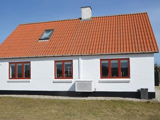 Beautiful home in Frostrup w/ WiFi and 4 Bedrooms