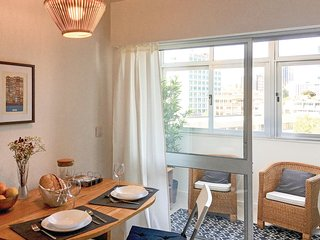 Amazing home in Porto w/ WiFi and 1 Bedrooms