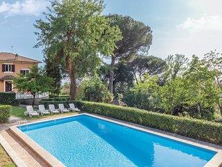 Villa accueillante comprenant un vaste jardin et une piscine (IRU174)