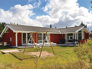 Stunning home in Rømø w/ Sauna, WiFi and 5 Bedrooms