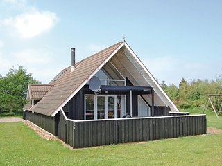 Awesome home in Rømø w/ Sauna, WiFi and 3 Bedrooms (R10128)