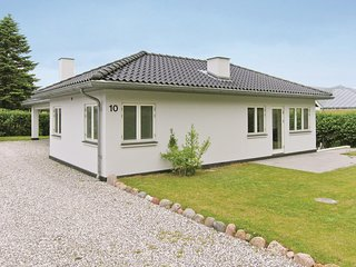 Awesome home in Egå w/ WiFi and 3 Bedrooms