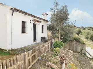 Nice home in El Bosque w/ Outdoor swimming pool, WiFi and Outdoor swimming pool