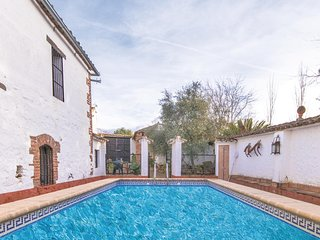 Nice home in Los Pánchez w/ WiFi, Outdoor swimming pool and 8 Bedrooms