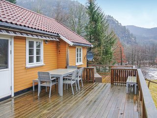 Nice home in Kvås w/ 2 Bedrooms
