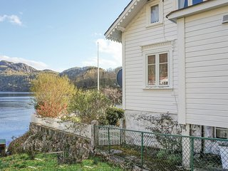 Nice home in Hidrasund w/ 3 Bedrooms (N36925)